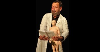 Dr. Vogel, Bühnenfoto