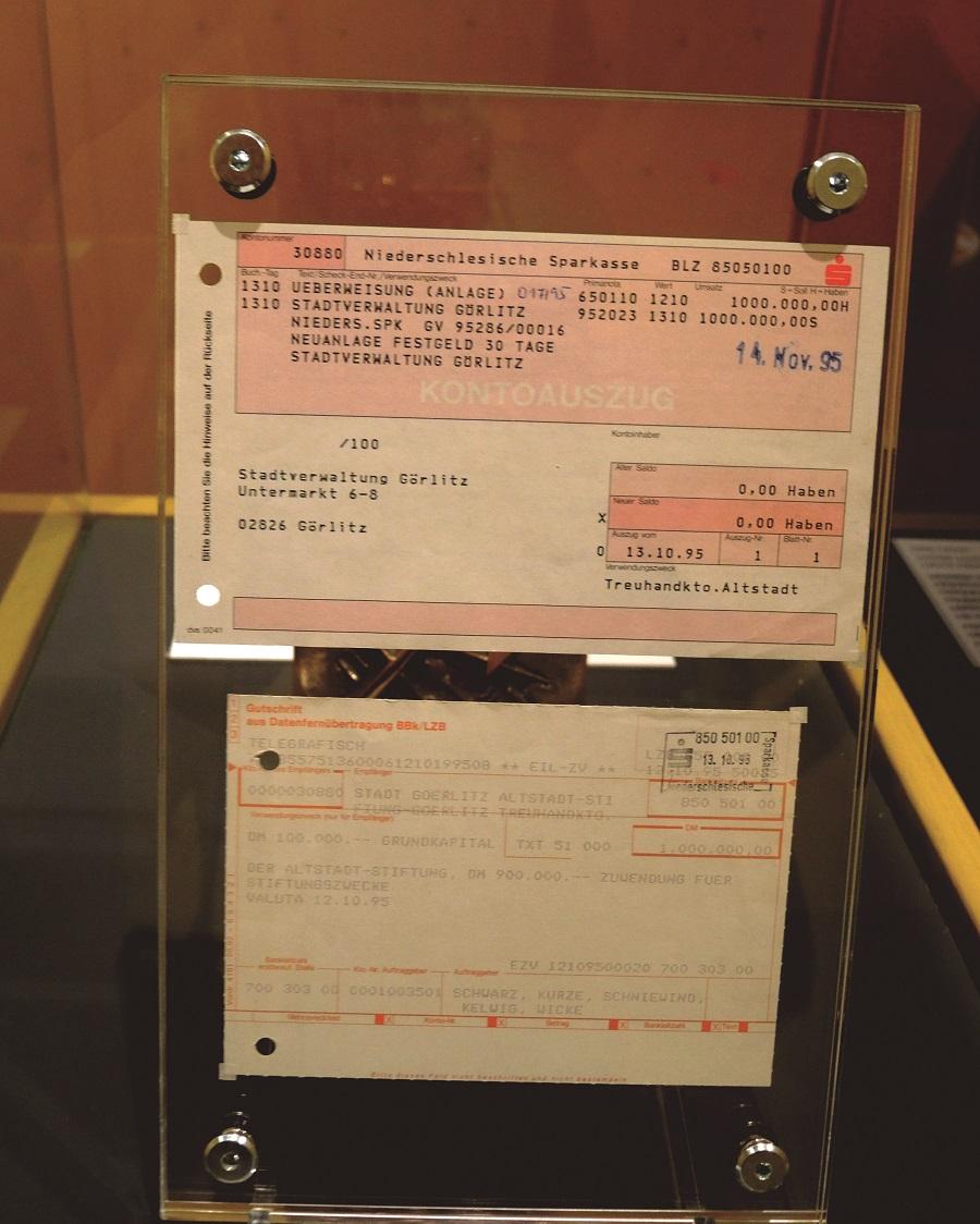 Ausgestellt: Die erste anonyme Millionenüberweisung.