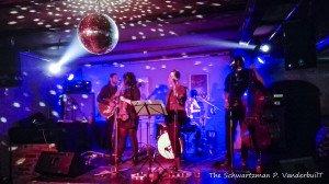 Die Band Mardi war im Zum Faulen August mit ihrer Swing-Danz-Show zu Gast.