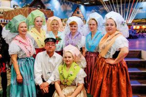Tänzerinnen des Deutsch-Sorbischen Ensembles während der Grünen Woche Foto: priv